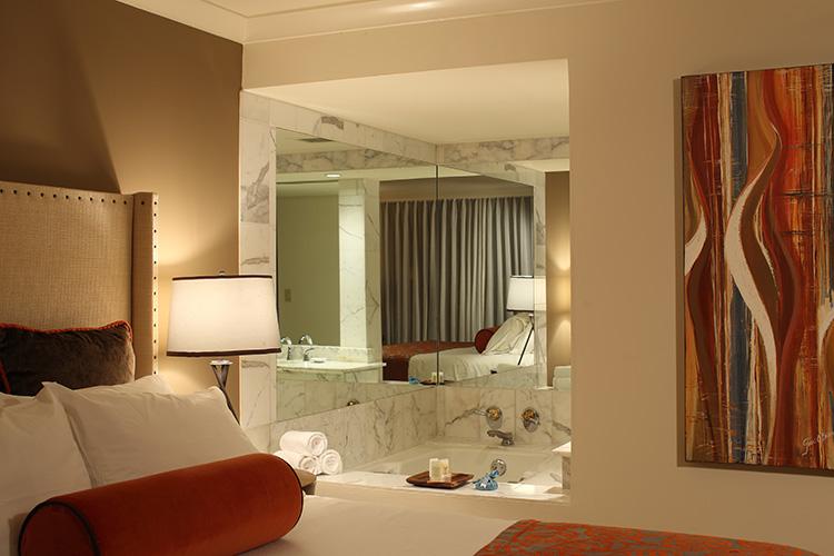 Oceanront-King-Suite-Bath
