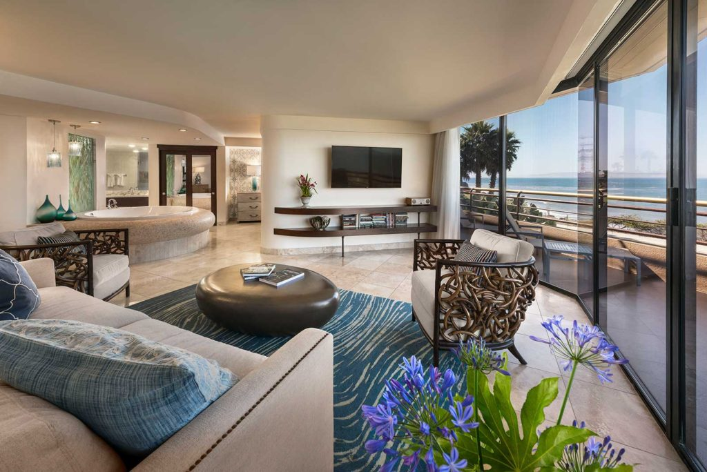 pismo_beach_hotel_sunset_suite_1600X1068_living_room