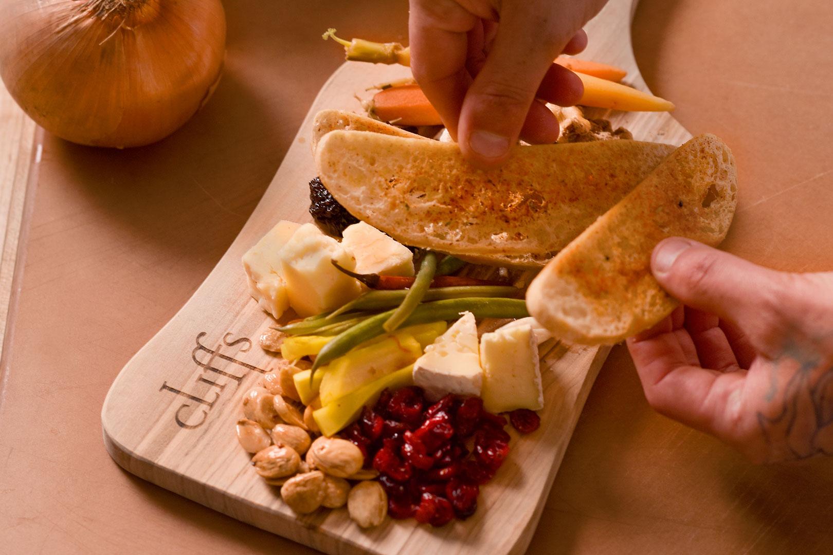 18206-tcr-marisol-cheese-board