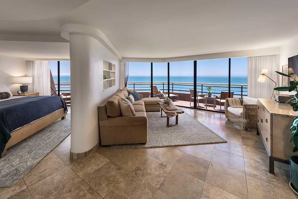 hotel_prices_near_me_pier_view_suite-1024x684