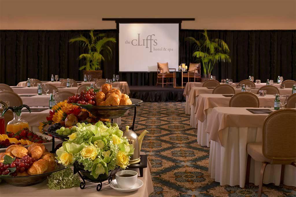 san_luis_obispo_hotels_on_the_beach_ballroom_new-1024x683